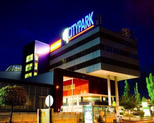 Információs pult - Citypark - Graz - akrilbutor.hu