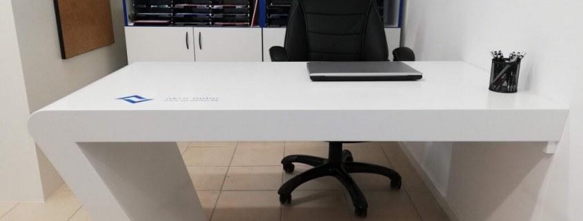 Íróasztal - akril bútor - akrilbutor.hu